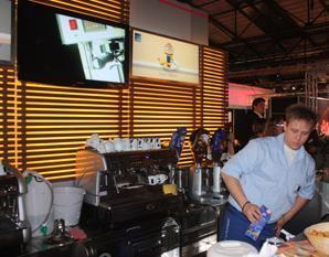 Cupping: Plantagenkaffees auf der »barzone« verkostet