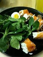 Lachs und Salat