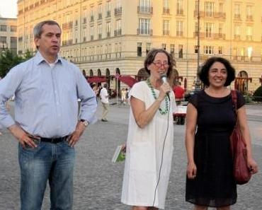 Fotos der gestrigen Mahnwache am Brandenburger Tor