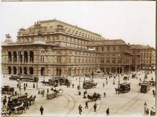 Historische Architekturfotografien aus der Sammlung Frank