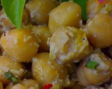 Kichererbsen Salat mit Safran und Kokos