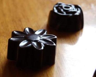 Selbstgemachte Schokolade mit Amarantboden