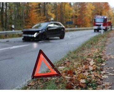 Autounfall  Büdingen  – Junge Frau kommt ums Leben