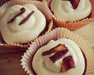 Bierteig-Ahorn-Bacon-Cupcakes aus 2 Broke Girls