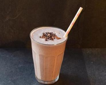 Ice-cold Chocolate Chip Mint Smoothie