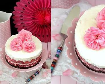 {Werbung} Joghurt-Eis-Torte... falls dem Sommer mal wieder einfällt vorbei zu kommen...