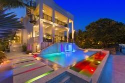 Zwei der schönsten Immobilien an der amerikanischen Küste im Vergleich