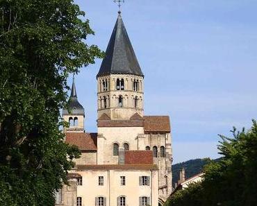 Gigantisches Cluny und Burgunder Berge