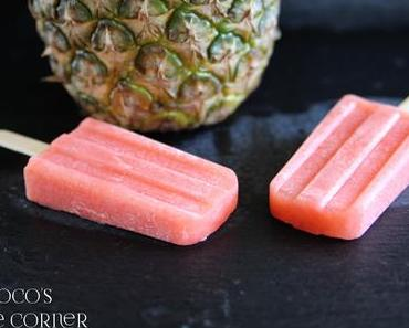 Erdbeer-Ananas Smoothie Eis - Abkühlung gefällig?
