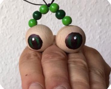 Eine kleine Schlange macht ganz große Augen – oder – Perlenaugen für Fingerspiele
