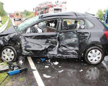 Schwerer Verkehrsunfall Stein-Neukirch