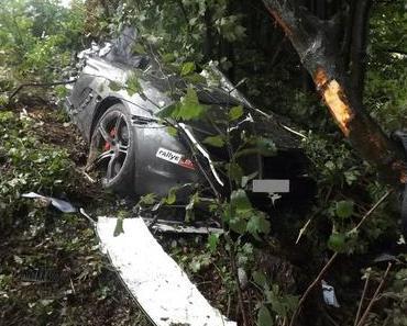 Schwerer Verkehrsunfall McLaren 650S Spider