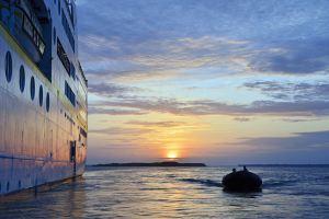 MS HAMBURG feiert Kreuzfahrtpremiere in Asien