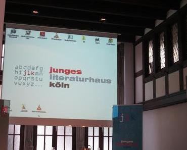 Limes bei der Lesung zu Layers von Ursula Poznanski im Literaturhaus Köln