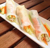 Rezept-Tipp: leichte Veggie-Summer Rolls mit Erdnuss-Senf-Dip