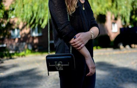 Outfit: All over Black
