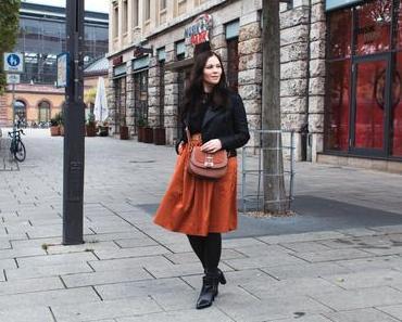 Topshop Lederjacke, Zara Midirock und Zign Ankle Boots
