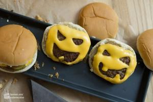 Halloween Cheeseburger