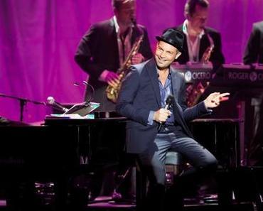 "ROGER CICERO präsentiert Video-Trailer zu ""Cicero sings Sinatra – Live in Hamburg"" // + Torudaten 2016"