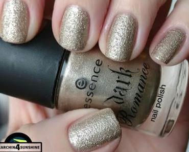 [Nails] Specialties mit essence dark romance 04 GOTHIC GOLD