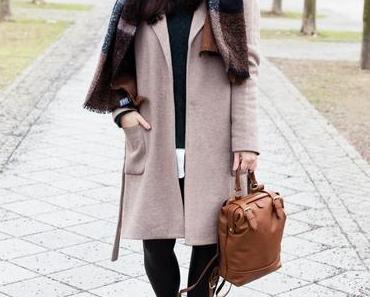 Outfit: Mou Eskimo Stiefel, Lederleggings und Masion Scotch Mantel