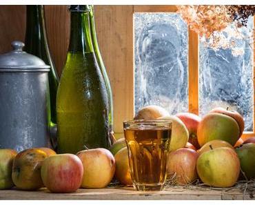 Selbstgemachter Apfelessig und seine heilende Wirkung / Healthy Benefits of Homemade Apple Cider Vinegar