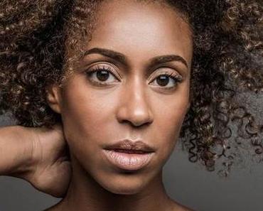 """Urban-Pop Sängerin GRACE RISCH veröffentlicht das Video zu ihrer neuen Single """"Mücke""""!"""