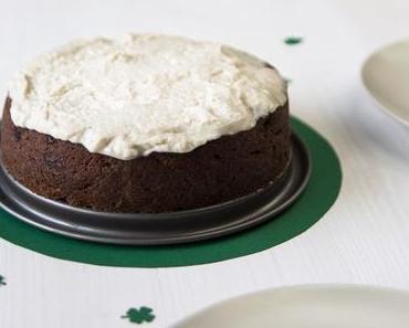 Happy St. Patrick's Day! Saftiger Schoko-Guinness-Kuchen – vegan –