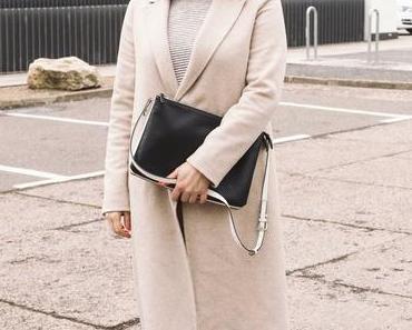 Outfit Beiger Zara Mantel und adidas Stan Smith Sneakers