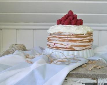 Himbeer Crêpe Torte / Crepe Cake with Raspberries