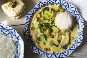 Grünes Curry mit Thai-Auberginen