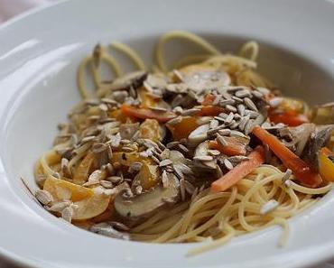 Spaghetti mit Gemüse-Zitronen-Sauce