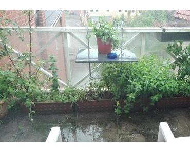 Foto: Balkon im Regen