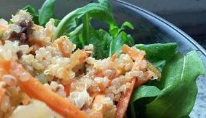 Mediterraner Quinoa-Salat