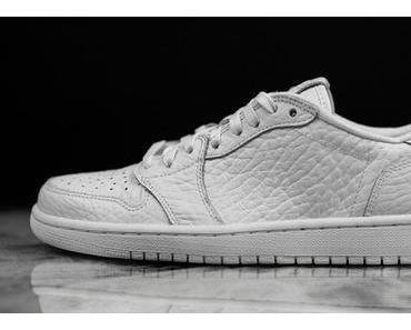 "Air Jordan 1 Low ""No Swoosh"" Triple White"