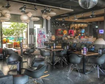 W XYZ Cocktail Bar & Live Musik im Aloft Hotel