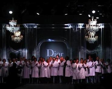 Finale der Christian Dior Show Fall Winter 2011 / 2012