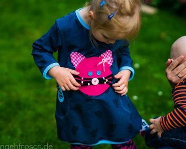 Das Kleid mit Katzenschwein, das ein Fuchs ist