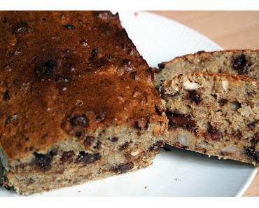 Haferflocken-Kuchen mit Schokolade, Früchten und Nüssen
