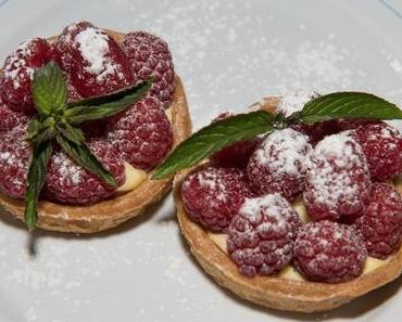 Puddingtörtchen mit Himbeeren (ovo-lacto vegetarisch)