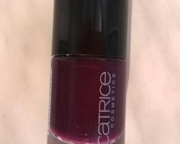 [Nail Saturday] Catrice Ultimate Nail Lacquer 121 Plump Around + essence the gel nail polish 87 gossip girl