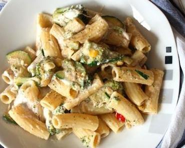 Pasta mit Zucchini und Brokkoli – schnell, günstig und richtig lecker