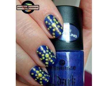 [Nails] NailArt-Dienstag: LATERNE mit essence dark Romance nail polish 01 DARK NIGHT STARLIGHT (fail)