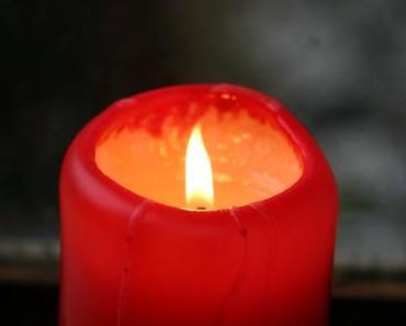 Foto: brennende Kerze