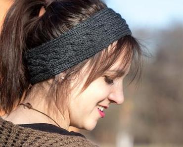 Stirnband mit Zopfmuster stricken