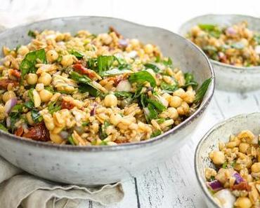 Grünkern-Kichererbsen-Salat mediterrane Art