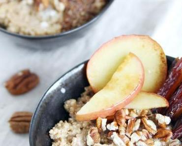 Quinoa Porridge mit Apfel und Zimt - ein warmer und gesunder Morgenbooster