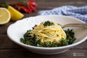 Grünkohl-Spaghetti Zitrone Chili