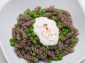 Pasta Erbsen Knoblauch-Joghurtsauce