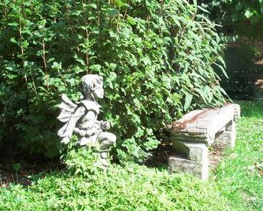 Gartendekoration – Figuren im Garten